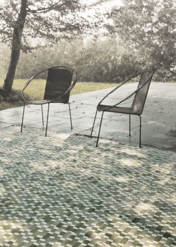 I+I_Tempo Cinque_green, wool tappeto carpet rug handwoven design in Milan Italy India ambient