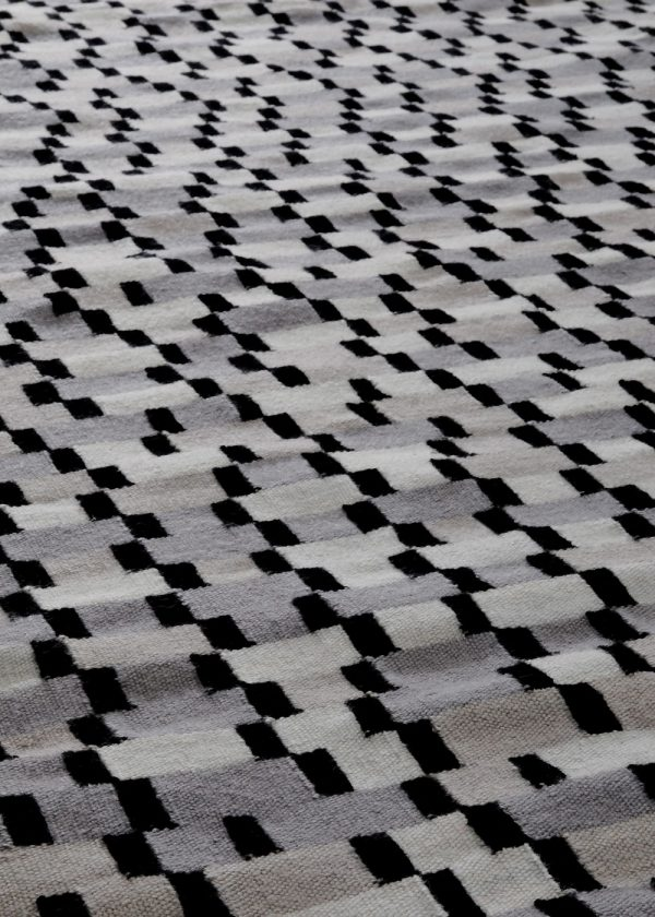 I+I_Tempo Cinque_grey, wool tappeto carpet rug handwoven design in Milan Italy India detail